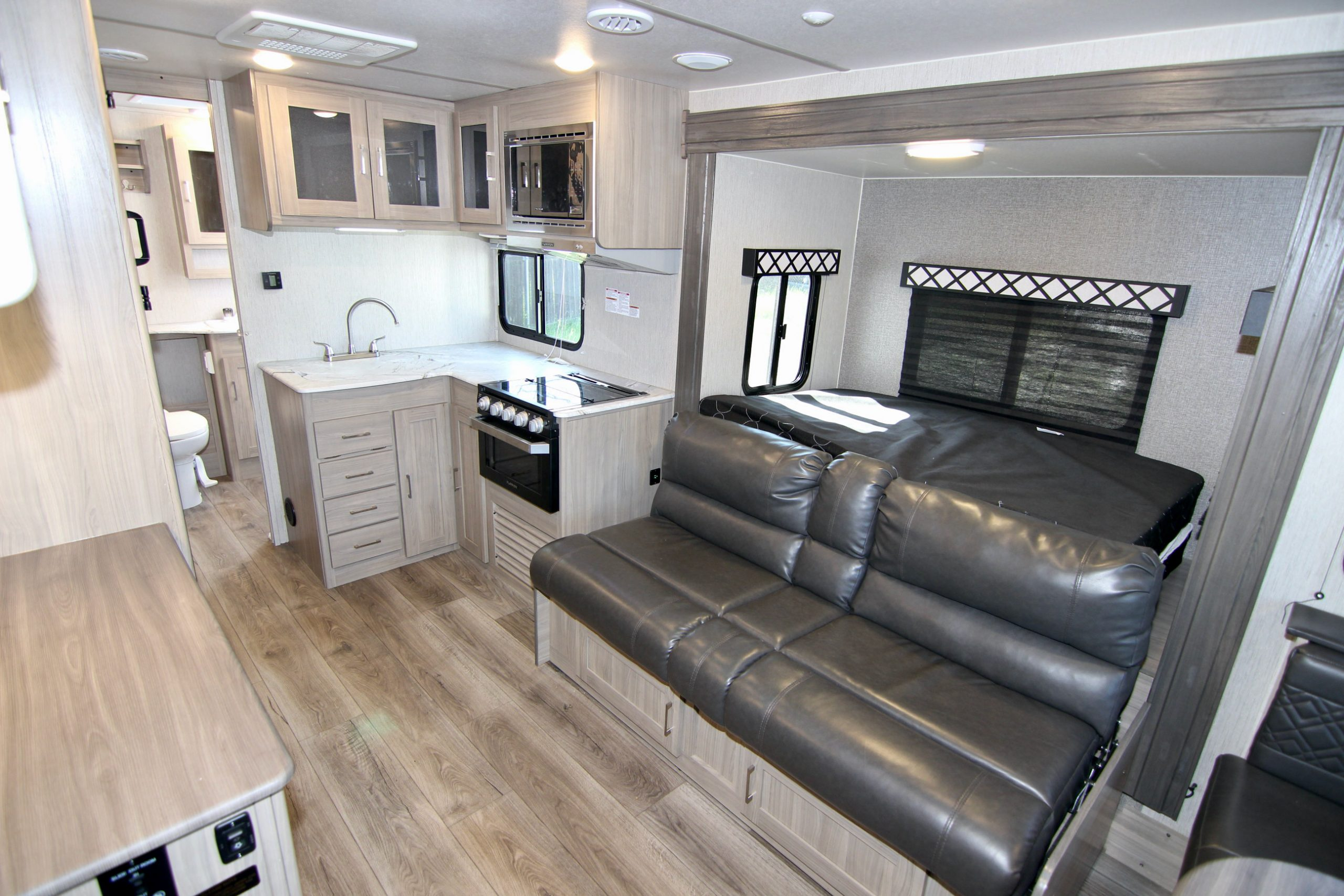 2020 Freedom Express 195RBS, Travel Trailer, Lite Weight, Slide-Out 😊 full