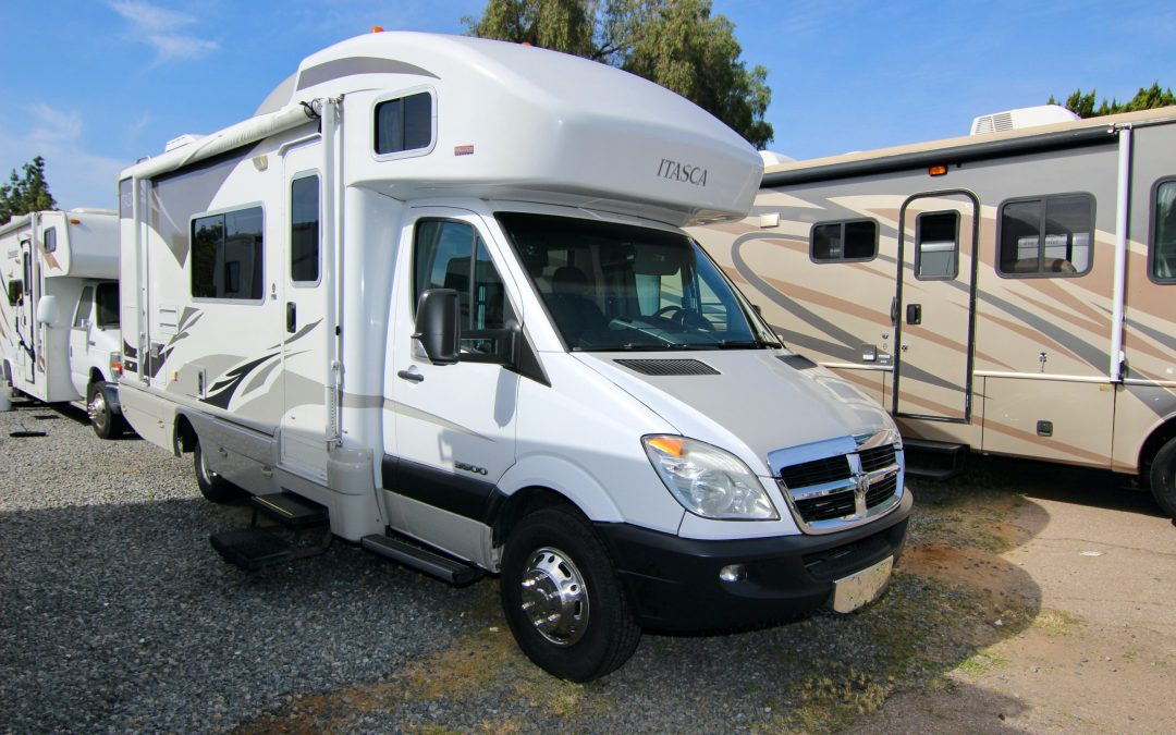 2009 Winnebago Itasca Navion 24H Diesel, Slide-Out, Shorty😱
